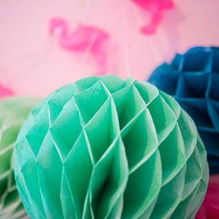 gekleurde papieren pompons
